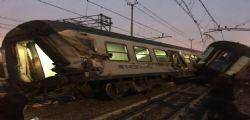 Deraglia treno a Milano : due morti e un centinaio di feriti - FOTO VIDEO