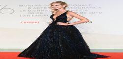 Chiara Ferragni fuori di seno! Incidente sexy alla Mostra del Cinema di Venezia