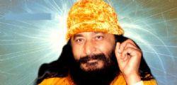 Il santone Ashutosh Maharaj vivo o morto? I suoi discepoli aspettano la resurrezione