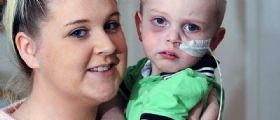 Il Piccolo Riley Hoult malato di cancro attaccato su Twitter: Meriti di morire