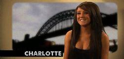 Charlotte Crosby : La star di Geordie Shore tutta nuda in bagno