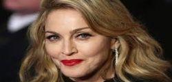 Madonna sexy in calze a rete e slip!