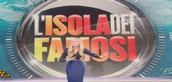 Federica Panicucci contro il collega : Video fuori-onda a Striscia la Notizia