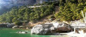 Capri : Un boato nella notte a Marina Piccola dovuta ad una frana imponente