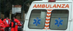 Treviso : Mirella Bettelangi scivola e resta impigliata nelle tende di casa - muore soffocata a 59 anni