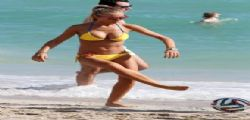 Laura Cremaschi : bikini hot 2014 a Miami