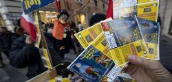 Biglietti vincenti Lotteria Italia : 3 venduti in Campania, 1 a Torino e 1 a Terni