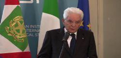 Presidente Mattarella : voce Ue contro nuovi muri