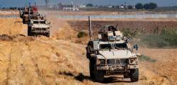 Media Siria : Turchia bombarda al confine