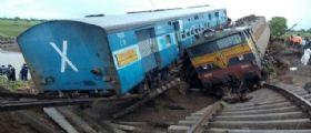 India : Esplode hotel a Madhya Pradesh e deraglia un treno a Karnataka