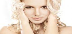Britney Spears sexy su Twitter per la sua linea di lingerie
