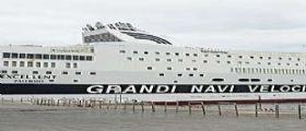 Genova : Incendio a bordo del traghetto Excellent della compagnia Grandi Navi Veloci