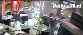 Parigi | Video attacco al Bistrot : L