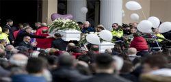 Strage Latina : Ai funerali di Alessia e Martina contestato il parroco per la preghiera a Luigi Capasso