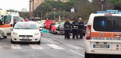 Ostia : motociclista investe un pedone e uccide entrambi