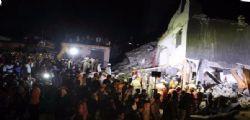 Crollo New Delhi : almeno 3 morti e 10 dispersi