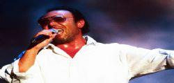 Antonello Venditti furibondo sui social : Ci hanno fatto chiudere il concerto