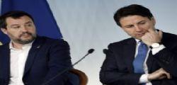 Sondaggi politici, Conte supera Salvini, ma il governo M5S-Pd non piace agli italiani
