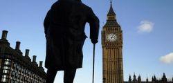 Attacco Londra : Almeno 5 morti, ucciso l