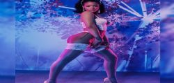 Rihanna senza limiti in intimo trasparente! Gli scatti hot infiammano il web