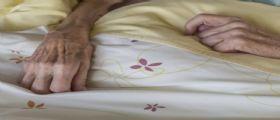 Casa di riposo abusiva a Torino : Anziana trovata morta sul divano
