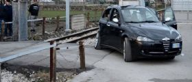 Salerno, uomo di 65 anni investito dal treno sui binari : Stop sulla linea Salerno-Battipaglia