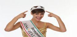 Le gambe e il resto… Alice Sabatini, il buongiorno dell'ex Miss Italia è stupendo