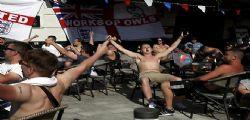 Euro 2016 : Calci e pugni tra hooligans, caos in Francia