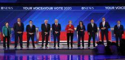 Obamacare, Warren e Sanders contro Biden