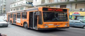 Napoli : Baby gang prende in ostaggio autista e passeggeri del bus Anm 180