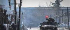 Ankara, autobomba contro polizia turca nel sud-est : Uccisi 8 poliziotti, 45 persone ferite
