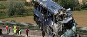Bus fuori strada a Padova, morirono cinque carabinieri : L