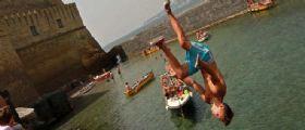 Napoli : 17enne si lancia da Castel dell