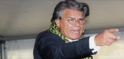 Emile Ratelband ha 69 anni ma vuole cambiare età per rimorchiare di più su Tinder