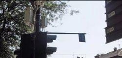 Super-semafori al via: chi passa con il rosso  da oggi rischia multe fino a seicento euro