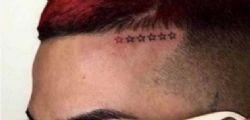 Sei stelle sulla fronte! Il tatuaggio di Sfera Ebbasta per non dimenticare le 6 vittime di Corinaldo