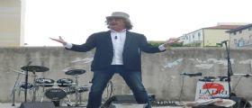 Lo spettacolo teatrale di Maurizio Stammati alla Villa Comunale di Formia in onore di Gerard Lutte
