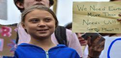 Clima, Greta Thunberg davanti alla Casa Bianca