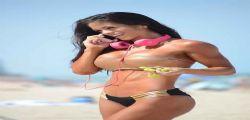 A Michelle Lewin esplode il sexy bikini a Miami