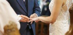 Qualcosa di utile per le nostre nozze! Gli sposi di Novara pagano il pranzo a 82 senzatetto