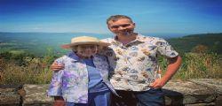 Tutti i parchi in tenda con mio nipote! L'impresa della 89enne nonna Joy