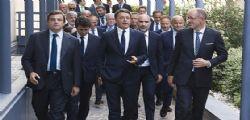 Matteo Renzi annuncia : Assumeremo 10mila persone tra poliziotti, infermieri e dottori