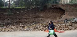 Crolla muro di Villa Mercede a San Lorenzo a Roma! decine di tonnellate di macerie