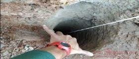 Julien si continua a scavare per raggiungerlo