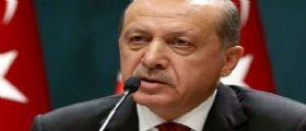 Turchia, Erdogan minaccia di nuovo Unione Europea: Se esagerate apriremo le frontiere ai migranti