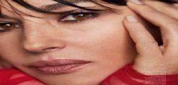 Bellissima! Monica Bellucci con il suo nuovo look scuote i social