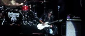 Il chitarrista degli Aerosmith Joe Perry in condizioni critiche dopo un arresto cardiaco sul palco
