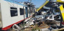 Scontro fra treni in Puglia : 27 morti, si cerca ancora