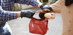 Bari : Anziana scippata al semaforo ma il ladro è suo nipote