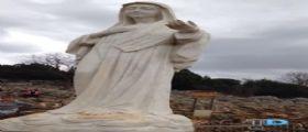 Bosnia-Erzegovina, danneggiata la Madonna di Medjugorje : Dito della mano sinistra spezzato